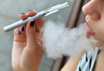 The Benefits of Switching to E-Cigarettes and How to Find the Right Starter Kit